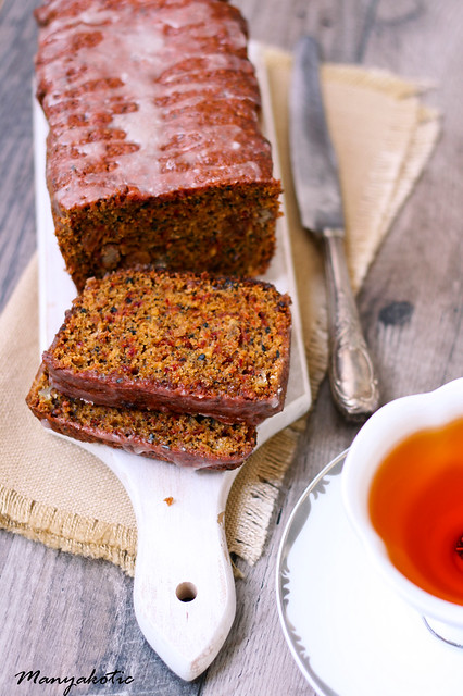 beetroot and seed cake