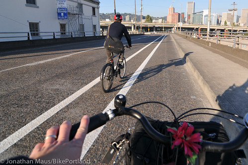 new striping on SE Madison-Hawthorne Bridge-3