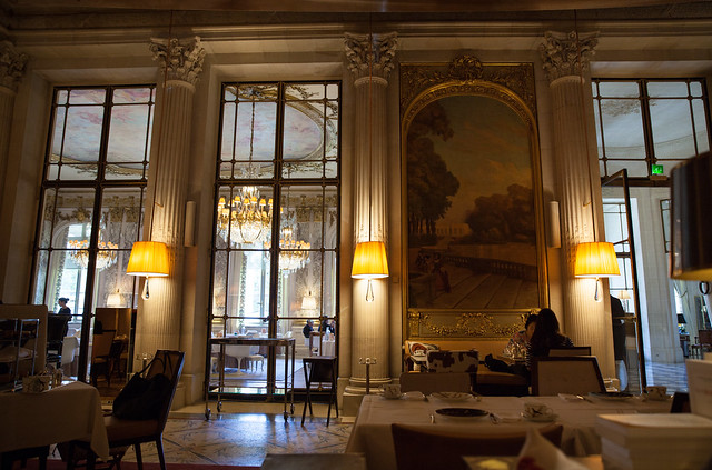 Interior of the restaurant at Le Meurice