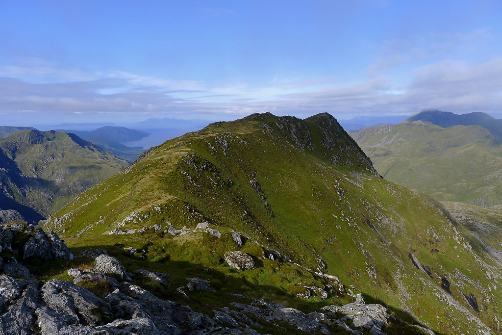 Luinne Bheinn summit from the east top