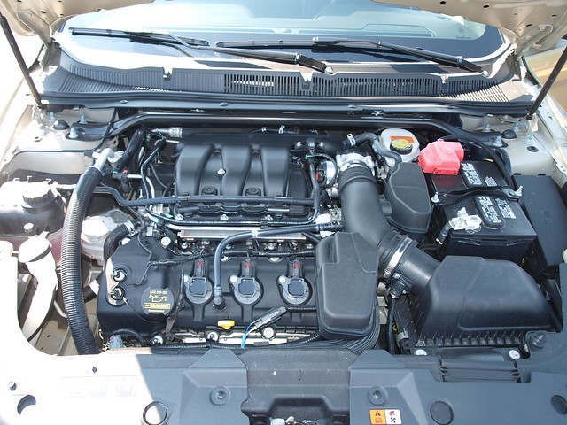 2013 Ford Taurus 21