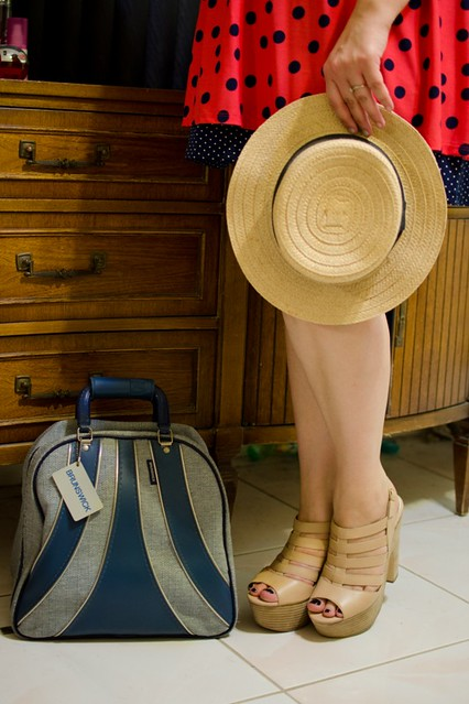 Details - Shoes, hat, bag