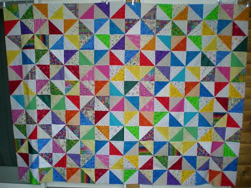 Wanda 72x96 bright pinwheels top