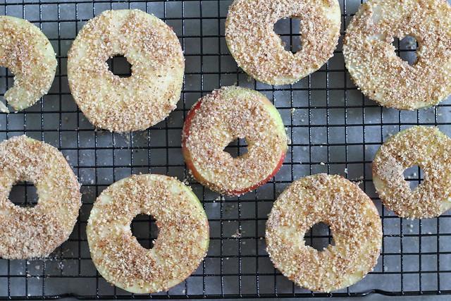 Apple crisp rings