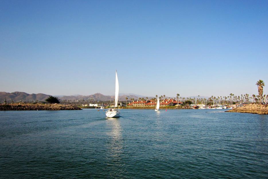 081812_10_sailboat03