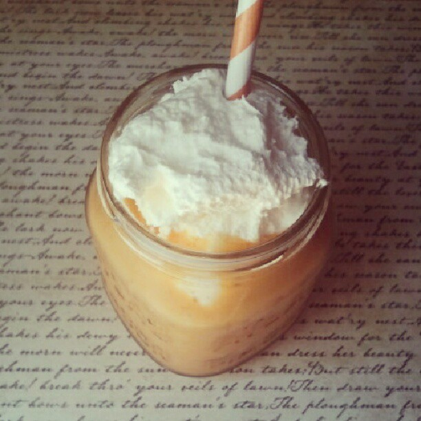 Pumpkin smoothie (recipe from @emmaredvelvet at abeautifulmess.com)