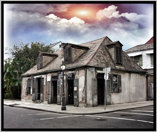 sunset sky usa building architecture bar nhl la louisiana famous drinking landmark historic oldest bourbonst lafittesblacksmithshop neworleansla frenchquarters nrhp onasiill