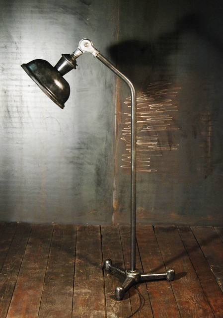 Lampadaire industriel sur pied flickr photo sharing - Lampadaire industriel vintage ...