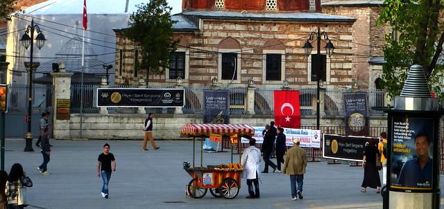 Istanbul - avril 2012 - jour 3 - 100 - Au pied de Sainte-Sophie