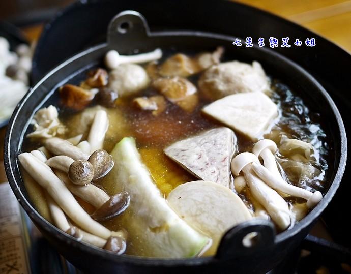 百菇養生鍋