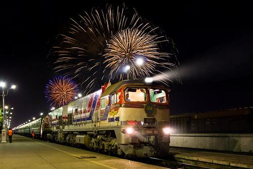 [フリー画像素材] 乗り物・交通, 電車・列車, 風景 - モンゴル国, 花火 ID:201210030000