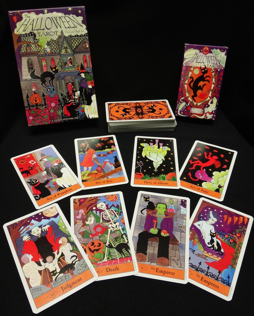 US Gaming Systems Halloween Tarot Deck and Book set