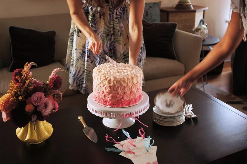 Rebecca_cutting_cake