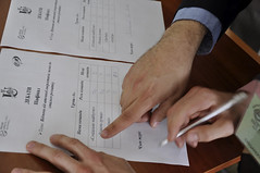 Ukrainische Dokumente durchlesen - 8 Universit�ten waren an nationalen Kampagnen zur Bewusstseinsbildung bei Rio+20 beteiligt (Konferenz der Vereinten Nationen �ber nachhaltige Entwicklung 2012). Photo: UNDP in Europe and CIS / flickr Namensnennung, nicht kommerziell, Weitergabe unter gleichen Bedingungen Creative Commons Licence