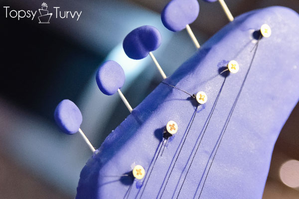 standing-guitar-cake-carved-fondant-screw-string