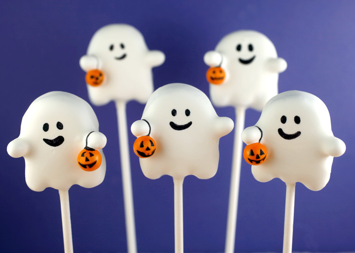 Ghost Cake Pops