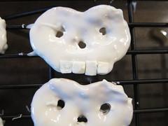 Iron Craft Challenge #20 - Chocolate Covered Pretzel Skulls
