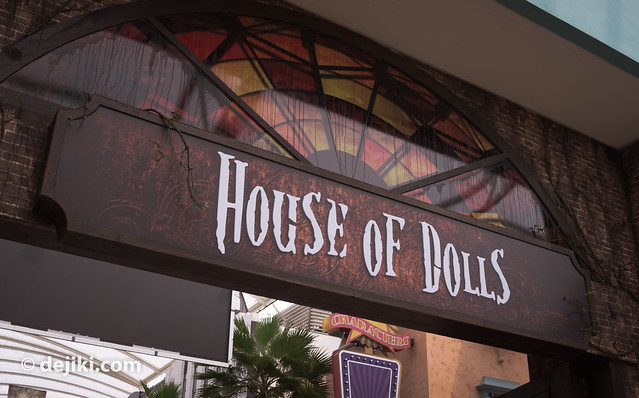 House of Dolls entrance