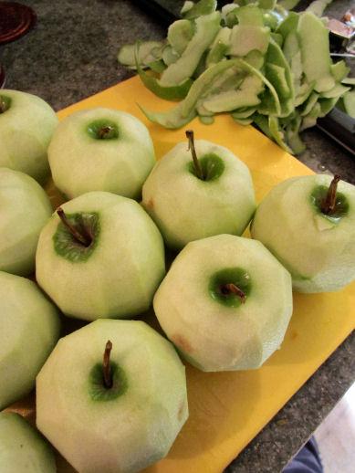 Peeled Granny Smith Apples