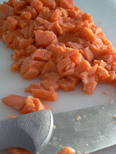 petits morceaux de saumon.jpg