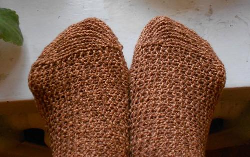 носки поперечным вязанием, мыски