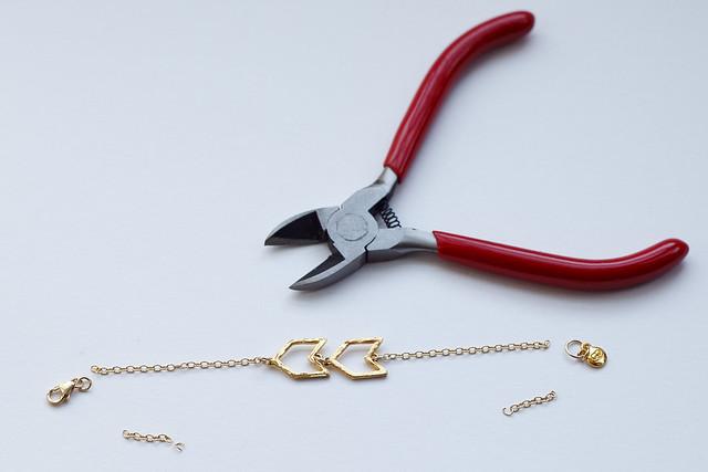 bracelet-ends-cut