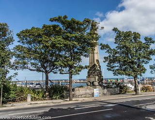 Kuva King George IV Monument. ireland dublin europe sony dunlaoghaire dublinstreets streetsofdublin infomatique nex7