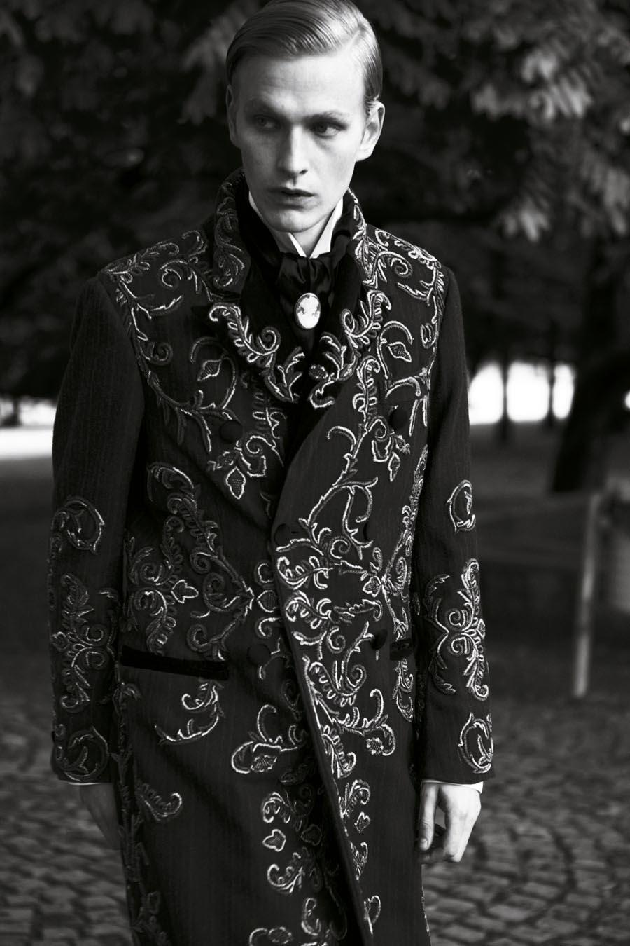 Gerhard Freidl0326_VIKTOR Magazine_Ph Adriano Russo(Wiener Models)