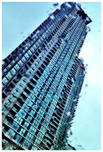 Wet building (9.14, '12) by rchoephoto