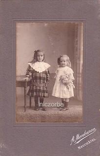 1915 Odette et Solange