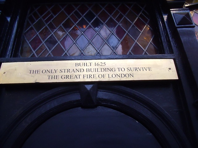plaque № 11603 - Built 1625  The only Strand building to survive the great fire of London