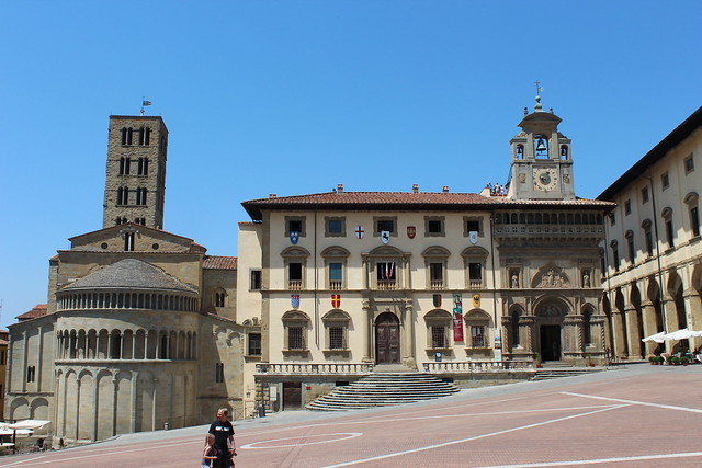 Absida Pieve di Santa Maria and Palazzo della Fraternita dei Laici in Piazza Grande, Arezzo