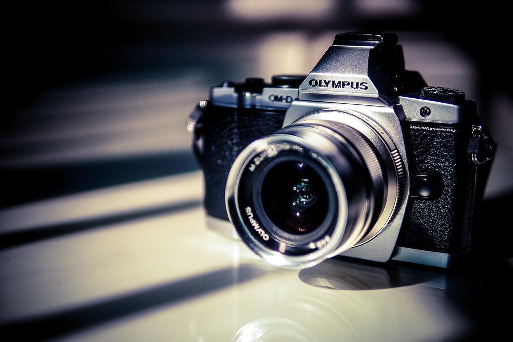 Olympus E-M5 OM-D + Olympus 12mm f2.0