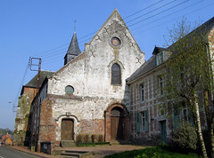 Lucheux (église et ancien presbytère) 1 - Photo of Grand-Rullecourt