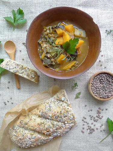 fall spanish pardina lentil soup {gf} // seeded baguette
