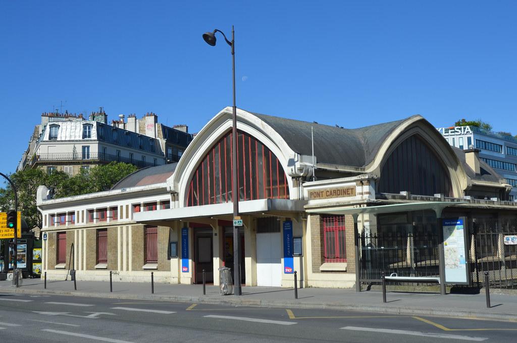 Pont cardinet paris around guides for Garage mercedes paris 17 rue cardinet