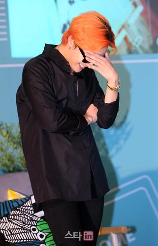G-Dragon - Airbnb x G-Dragon - 20aug2015 - Star in - 08