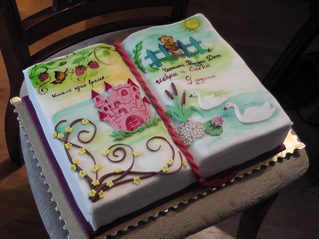 Cake Decorated Like Books : photo