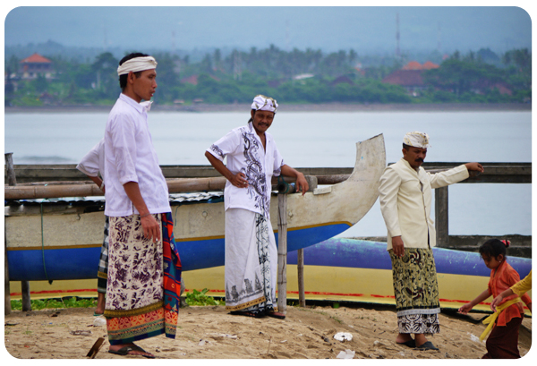 Sanur temple people