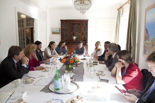 Assistant Secretary Posner and Ambassador Donahoe Host Roundtable Discussion with NGOs