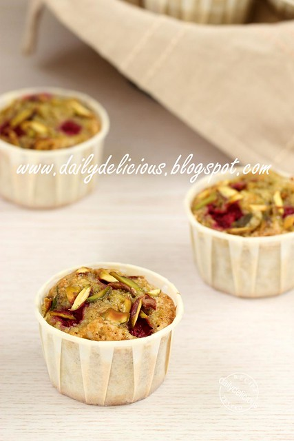 Raspberry Pistachio Tea Cake