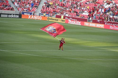 Leo waves the flag