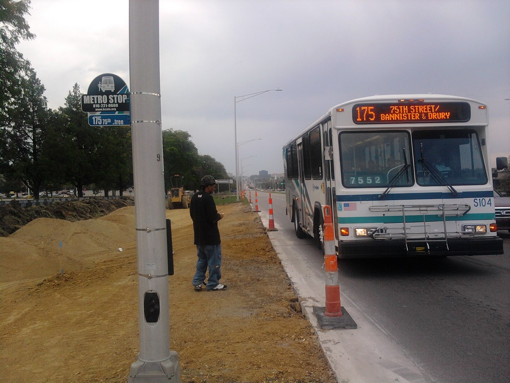 KCATA Route 175 on Metcalf Avenue? | Transit Trivia: How man