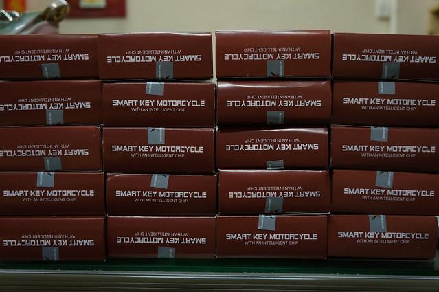 khoa-chong-trom-xe-may-chip-smart-key-litech-02cong-nghe-moi-8026810950_9710205e46_z