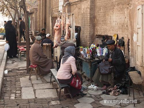Vendedor en el caco antiguo de Kashgar