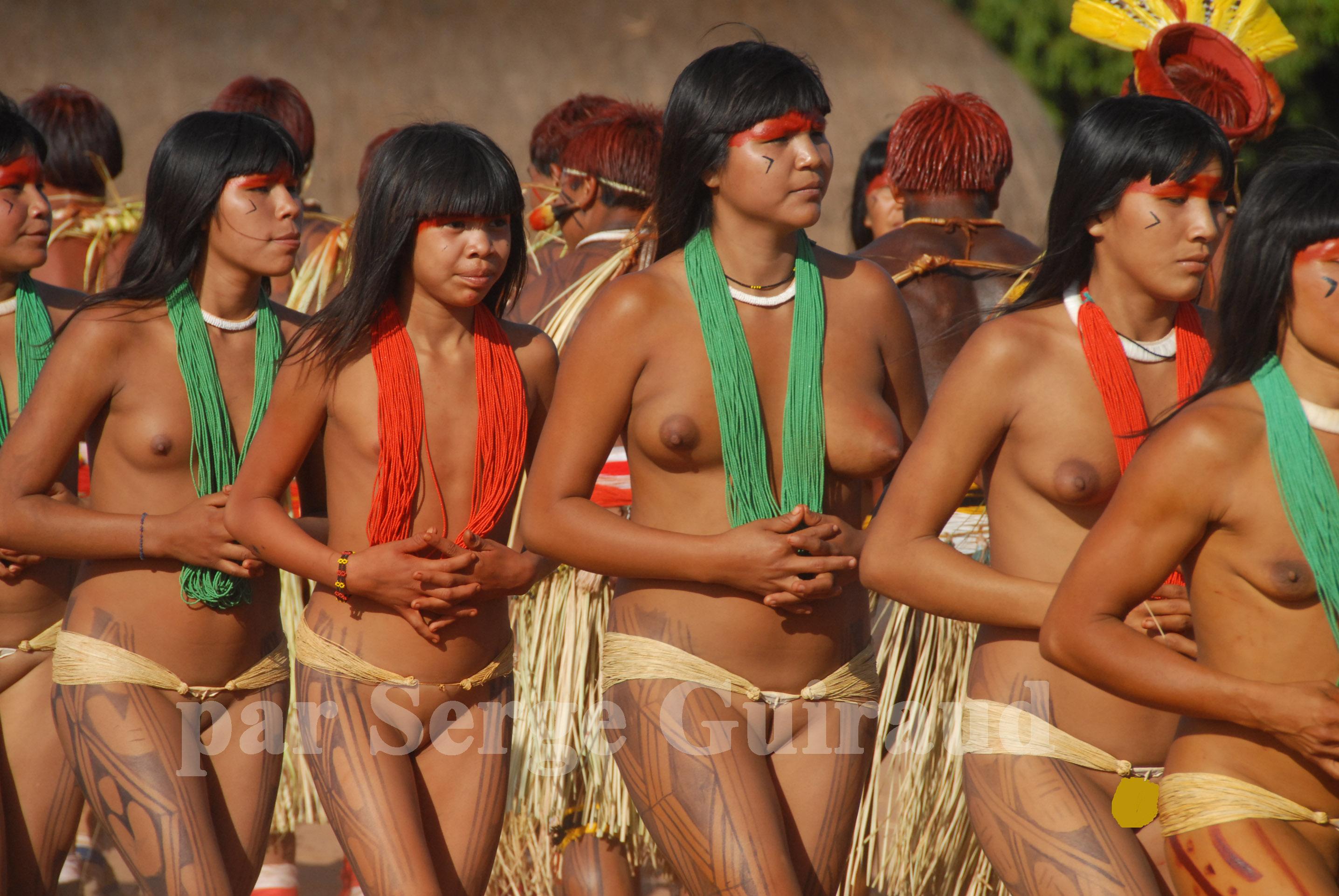 Amazon Xingu Tribe Girls Pussy-9698
