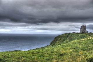 O`Brien`s Tower auf den Cliffs of Moher, Irlands bekannteste Steilklippen. Photo: psyberartist / flickr Creative Commons Licence Namensnennung