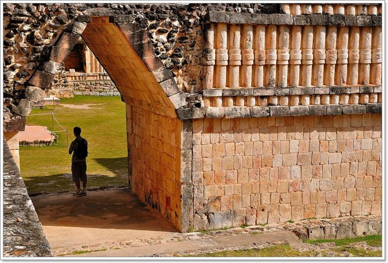 7修女四方院拱門