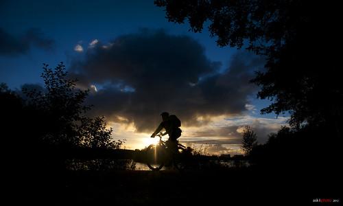 autumn sunset sky fall bicycle silhouette norway clouds stavanger norge october biker 2012 sykkel mosvannet rogaland syklist mosvatnet mygearandme bentingeask askphoto sykletiljobb silhouettebiker