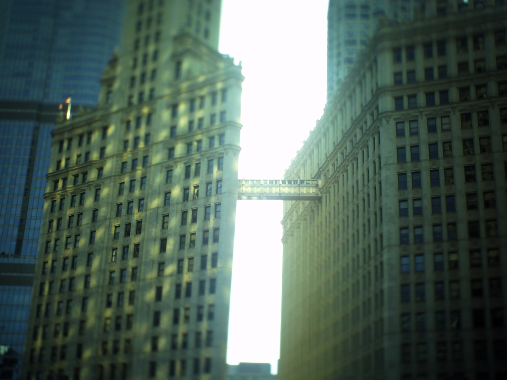 chicago tilt-shift bridge